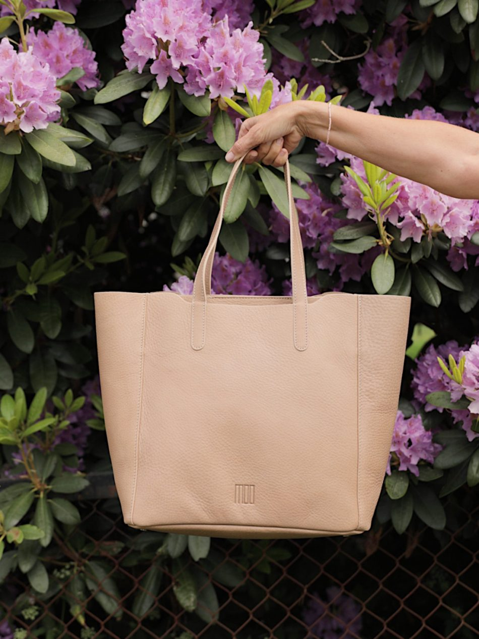 dolce-cow-tote-bag-beige